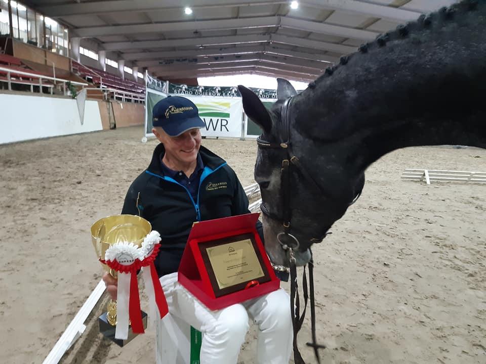 kon i nagrody